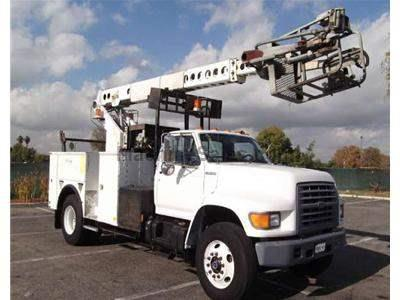1998 FORD F700 2378
