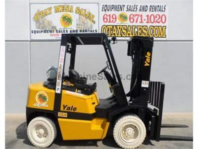 8000LB Forklift, Pneumatic Tires, 3 Stage, Side Shift, Propane, Automatic Transmission, Low Hours