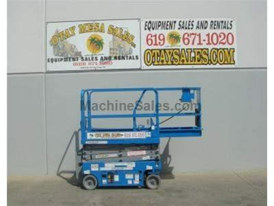 Scissor Lift, 25 Foot Working Height, 19 Foot Platform Height, Deck Extension, Low Hours