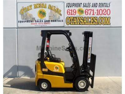 4000LB Forklift, Pneumatic Tires, 3 Stage, Side Shift, Propane, Automatic Transmission, Low Hours