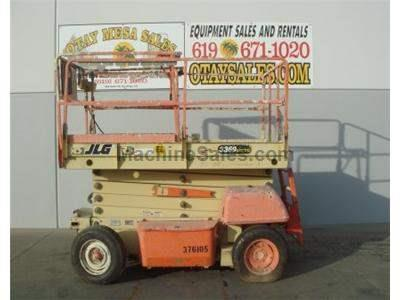Rough Terrain Electric Scissor Lift, 33 Foot Platform Height, 39 Foot Working Height, 1000LB Capacity