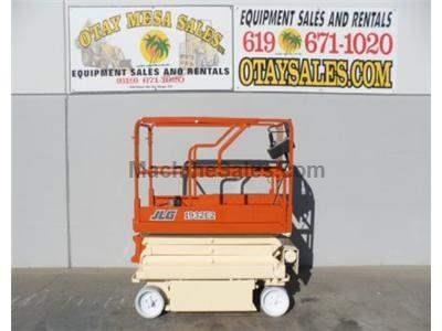Electric Scissorlift, 25 Foot Working Height, Narrow 32 Inch Width, Deck Extension