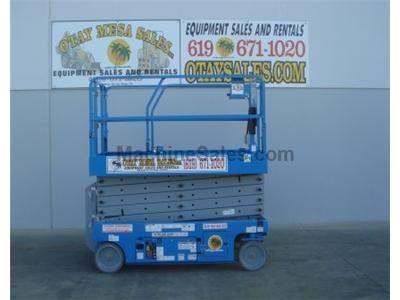 Scissor Lift, 38 Foot Working Height, 32 Foot Platform Height, Deck Extension, Low Hours