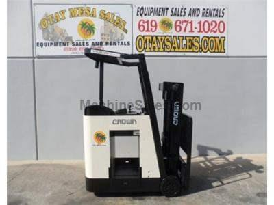 3000LB Forklift, 3 Stage, Side Shift, 190 Inch Lift Height, Side Shift, Very Compact