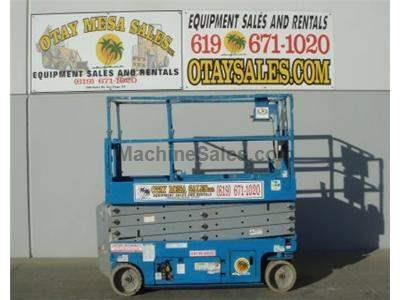Scissor Lift, 32 Foot Working Height, 26 Foot Platform Height, Deck Extension