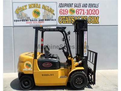 9000LB Forklift, Pneumatic Tires, Automatic, 3 Stage, Side Shift, Diesel