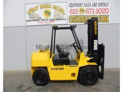 8000LB Forklift, Pneumatic Tires, Side Shift, Propane, Automatic