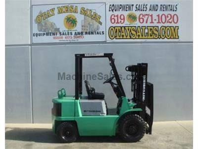 5000LB Forklift, Pneumatic Tire, 3 Stage, Side Shift, Gasoline, Automatic