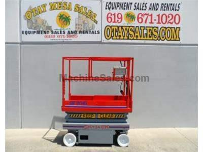 Electric Scissor Lift, 21 Foot Working Height, 15 Foot Working Height, Deck Extension