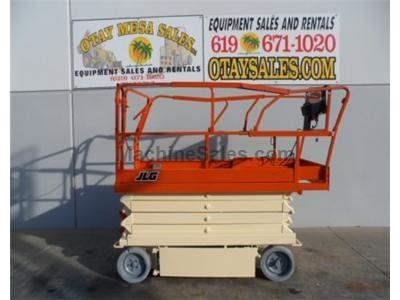 Scissor Lift, 32 Foot Working Height, 26 Foot Platform Height, Deck Extension, Power to Platform