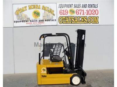 3500LB Forklift, 3 Wheel Electric Sit Down, 3 Stage, Side Shift, 36 Volt, Warrantied Battery