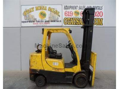 8000LB Forklift, Cushion Tires, Propane, Side Shift, Automatic Transmission