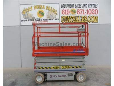 Electric Scissor Lift, 32 Foot Working Height, 26 Foot Platform, Deck Extension