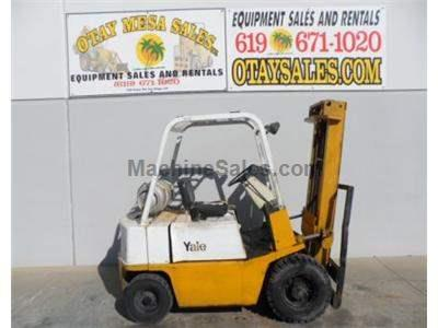 4000LB Forklift, Pneumatic Tires, Propane, Automatic Transmission