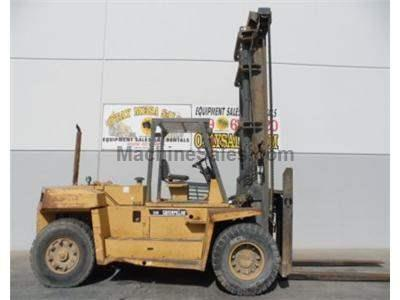 33000LB Forklift, Pneumatic Tires, Diesel Power, Fork Positioner, Automatic Transmission