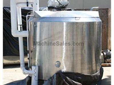 Approx. 700 gallon Jacketed Tank w/ Mixer