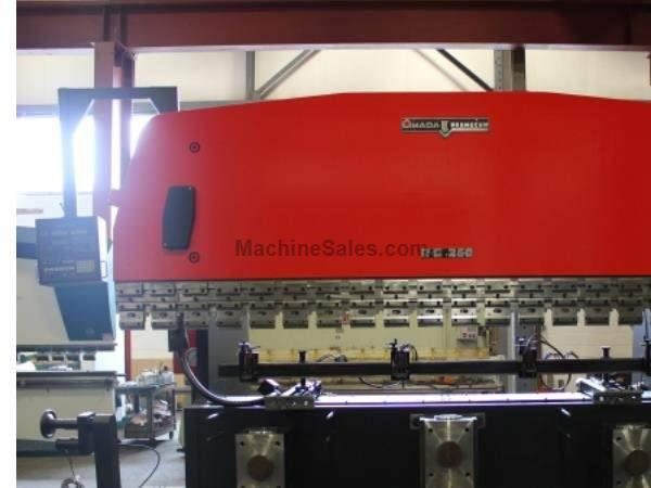 "275 Ton 161.4"" Bed Amada RG-250 PRESS BRAKE, NC9EX-II CNC Back Gauge"