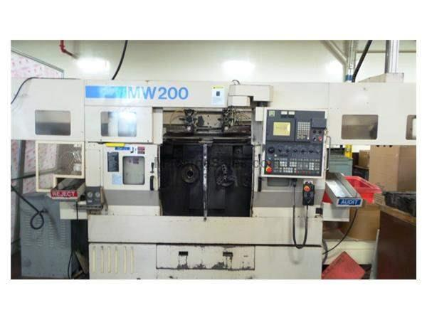 2000 MW-200G MURATA TWIN SPINDLE CNC TURNING MACHINE with GANTRY LOADER