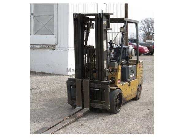Caterplillar Forklift