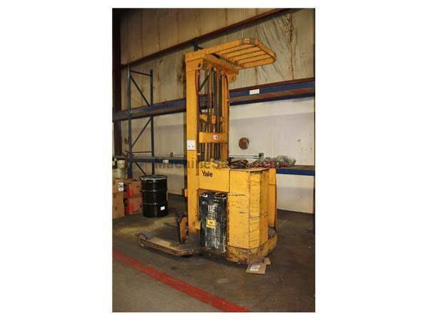 4000 LB YALE MODEL NE040LAN36ST112 STAND UP LIFT TRUCK: STOCK #55068