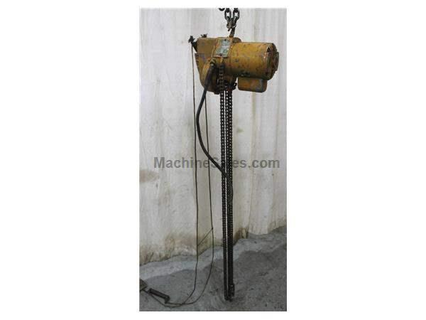 1000 LB YALE SINGLE PHASE CHAIN HOIST: STOCK #57861