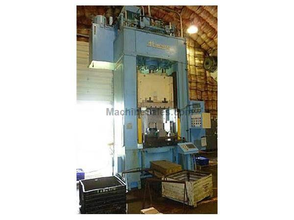 300 TON ST. LAWRENCE HDT-3-200 TRIPLE ACTION HYDRAULIC PRESS