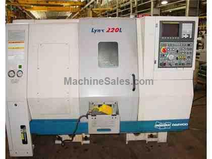 "20.07"" Swing 21.65"" Centers Daewoo Lynx 220LC CNC LATHE, Fanuc i, Parts Catch, Chip, SMW Barfeed"