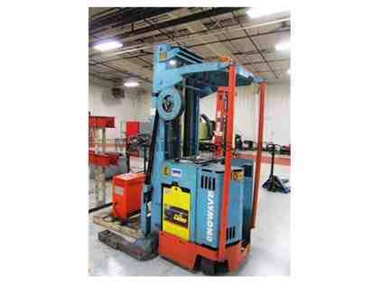 4000 LB. RAYMOND MODEL 31T40TT STAND UP TYPE ELECTRIC FORKLIFT