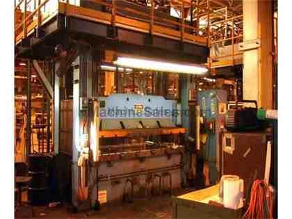 Pacific Straight Side Hydraulic Press 200 Ton (1995)
