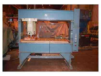USM 33 Ton Travelling Head Die Cutting Press