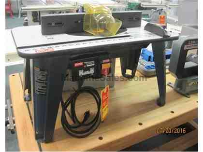 Router Table B/T w/Router Ryb