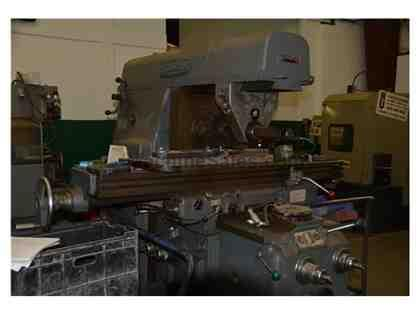 HITACHI #3 SIZE HORIZONTAL MILLING MACHINE