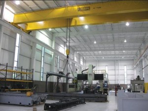 Overhead crane lifting material