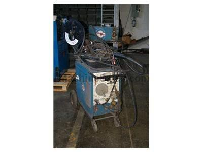 200 AMP MILLER WELDER WITH WIRE FEED ATTACHMENT MODEL CP200