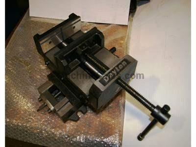 "NEW 6"" DAYTON DRILL PRESS VISE WITH CROSS TRAVEL, MODEL 6Z848 NEW, IN"