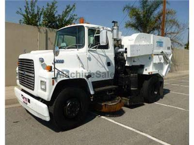 2004 FORD 7000 2858