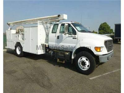2000 FORD F750 3019