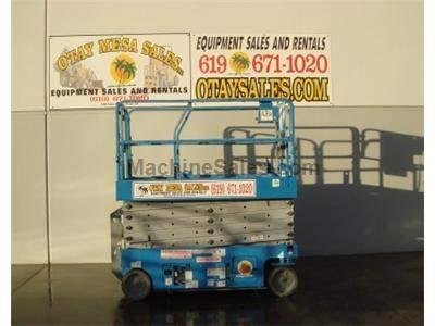Scissor Lift, 38 Foot Working Height, 32 Foot Platform Height, Deck Extension
