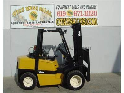 9000LB Forklift, Dually Pneumatic Tires, Propane, Automatic, Side Shift