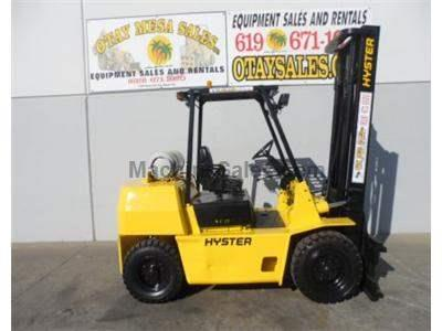 8000LB Forklift, Pneumatic Tires, Automatic, Side Shift, Propane