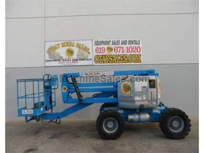 Articulated Boomlift, 51 Foot Working Height, 45 Foot Platform Height, 25 Foot Horizontal Reach, Dual Fuel
