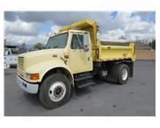 2000 International 4700 single axle dump truck