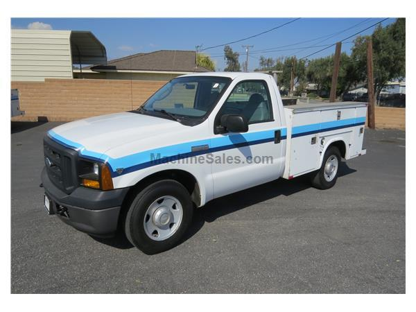 2006 Ford F-250 XL V10 Gas 8 ft. Service / Utility Truck