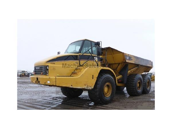 2005 CATERPILLAR 740 6 X 6  & CAB w/ A/C & HEAT - E7135