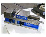 "6"" JAWS Kurt 3600v MACHINE VISE, Gang Vise Set-Up, 6""  Vise Opening, 6"" Wid"